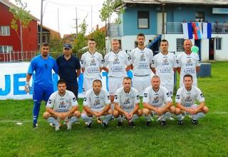 FK JEDINSTVO(Gornje Stopanje) sa trenerom Goranom Pejkovićem u sezoni 2016./2017.godine foto:M.Stamenković