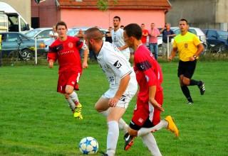 Detalj sa derbija 6.kola Okružne fudbalske lige Jedinstvo - Jablanica foto: M.Stamenković