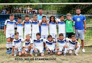 Pobednički tim iz Vinarca OFK Šampion sa trenerima Grdelica,14.jul 2017.