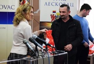 Donacija lopte FSJO za FK Jedinstvo(G.Stopanje). Leskovac, 26.mart 2018.godine.