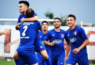 Finale Kupa FSJO:Moravac Orion-Jedinstvo(B) 3:1. Igrači Moravca Orion slave pogodak. Leskovac,16.jun 2018.godine.